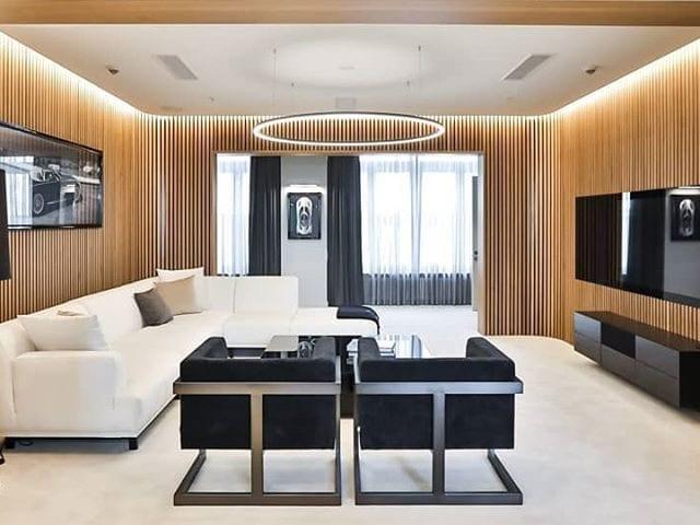 #MercedesBenz открыли первый номер класса люкс в отеле Radisson Royal с решениями #BurgGlass ________________ Номер в отеле размером 170 м2, созданный Mercedes-Benz, расположился на 11 этаже отеля Radisson (гостиница «Украина») и получил название «Maybach Люкс»