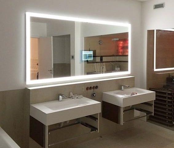 """С зеркалом-телевизор Burg&Glass с LED подсветкой утро точно будет доброе! 😊  На фото: """"Хрустальное- волшебное"""" зеркало с LED подсветкой"""