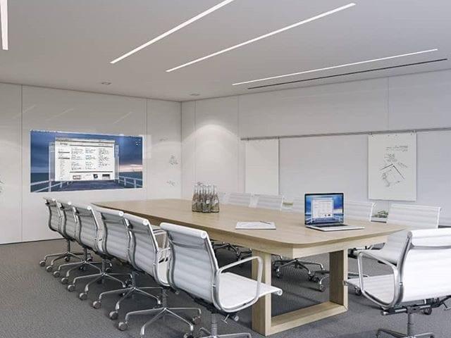 Рабочий кабинет руководителя, он же зал совещания топ менеджмента одной из крупнейших строительных компаний России