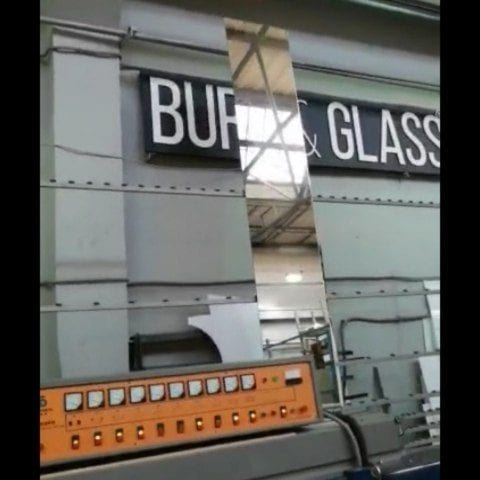 встроенный зеркальный телевизор