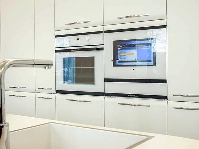 Kitchen tv - это особый влагозащищенный телевизор для кухни от BURG&GLASS