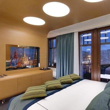 Наш объект  Отель @standart_moscow оборудован #ЗеркальныйТелевизор в каждом номере  Отель StandArt - явление в единственном экземпляре