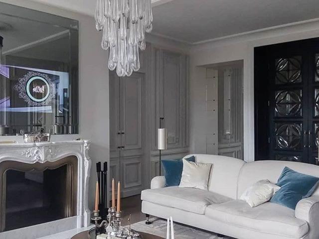 Зеркальный телевизор Burg&Glass 55  над камином