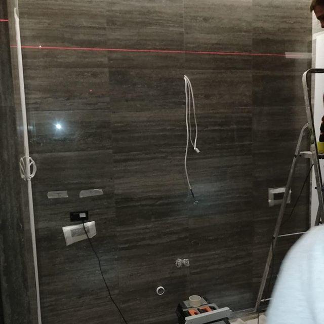 Зеркальный телевизор  BurgGlass  для ванной комнаты с диагональю 65 дюймов