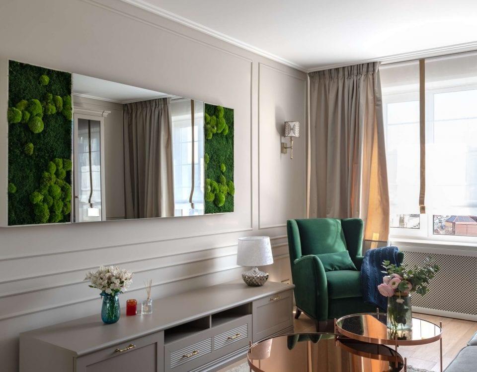 Стильный телевизор-картина на стене гостиной