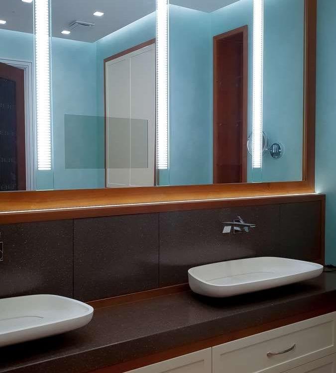 Влагостойкий телевизор-зеркало BURG&GLASS