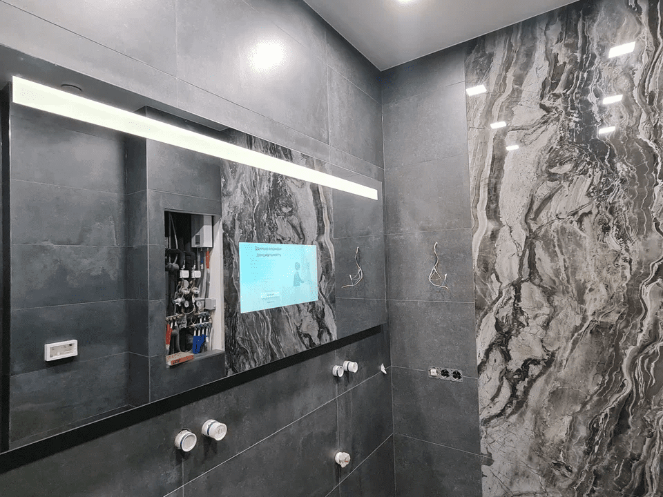 Зеркальное ТВ на стене